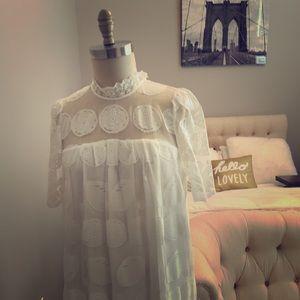 Catherine Madlandrino Lovely White Lace Tunic